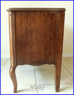 Davis Cabinet Solid Wood Cherry Finish Console Table Chest of Drawers Dresser