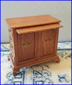 Dollhouse miniature vintage very rare 18th c. Chest of drawers by Jim Hall