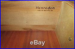 HENREDON MAHOGANY DRESSER AND MIRROR, TEN DRAWER LOW CHEST (b)