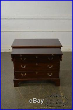Henkel Harris Mahogany Chippendale Style Bachelors Chest of Drawers
