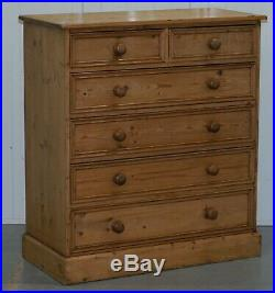 Lovely Vintage Chest Of Solid Pine Drawers Two Over Four Formation English Made