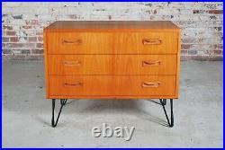 Mid Century G-plan Fresco teak chest of drawers on hairpin legs