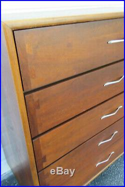 Mid Century Modern Acclaim Chest of Drawers by Lane Furniture 9964