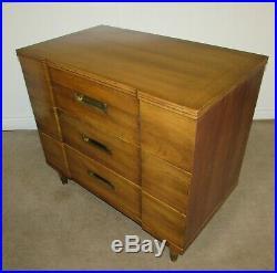 Vintage MID Century John Widdicomb Block Front Bachelors Chest, 3 Drawer Dresser